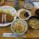 とんかつ藤よし - 20170422 満腹ロースランチ+惣菜バー 830円+50円