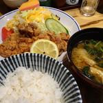 松本くろ門 - 山賊焼き定食(880円)