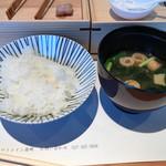 ホワイトイン高崎 スラッシュカフェ - ご飯。最悪。あり得ない。いつ炊いた米だ。