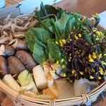 ホワイトイン高崎 スラッシュカフェ - 追加のお野菜は、こんなに出してくださいました。