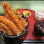 天ぷら酒房まあちゃん - 男気天丼(ディナー 1,580円・ランチ 1,380円(税別)+ ご飯 大盛り 150円。