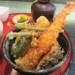 天ぷら酒房まあちゃん - 白黒ハーフ天丼(ディナー 1,280円・ランチ 1,100円 税別)の 天丼。