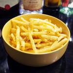 アプサラ レストラン&バー - スパイスフライドポテト(300円・外税)