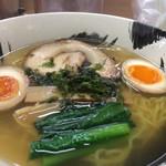 65943776 - 「麺や暁」 塩ラーメン味玉入り アップ