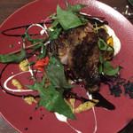 トラットリア イル レガーロ - 豚肩肉 大きなお肉です!