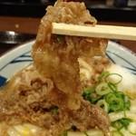 丸亀製麺 - 牛とろ玉うどん 牛肉