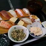 寿司・一品居酒屋 一穂 - 料理写真:寿司定食