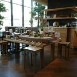 ホテル ココ・グラン - 朝食会場。