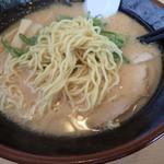 波飛沫 北見店 - 麺アップ