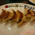餃子バル 餃子家 龍 - 焼き餃子