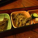 大衆割烹 味翔 - 定食についてくる惣菜