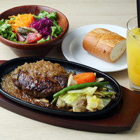Cafe Apartment 183 - 熱々鉄板ハンバーグ set 1,700円(税別)、単品 1,200円(税別)