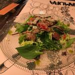 65957153 - 黒毛和牛ローストビーフ彩り野菜のサラダ仕立て 1480円