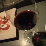 バー グラッパ - グラス赤ワイン