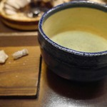 福わ家 - ご飯が出来るまでのお茶菓子とお茶(ワルイージにかじられた後撮影)