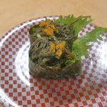 大漁丸 - 「もずく」171円はやわらか食感と、甘酢のコラボがたまらんちん!