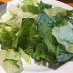 マッテオ - ランチにつくサラダ