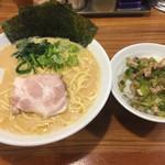 麺家 浜風 - とんこつ醤油ラーメン(中盛)Bセット880円