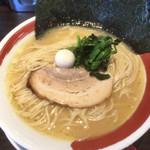 麺家さざん×英 - 料理写真:白とんこつ細麺
