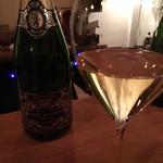 シャンパーニュと自然派ワイン hapo -