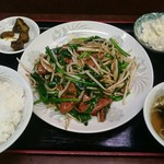 味の中華 天心 - 料理写真:ニラレバ定食