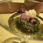 山沙商店すし芳 - ◆糸島の「そうめん海苔」・・いわゆる「太もずく」です。 三杯酢は水が強くなく優しい味わい、生姜がいいアクセントに。