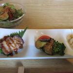 中国食彩館 龍の髭 - 料理写真:前菜3種とサラダ