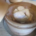 中国食彩館 龍の髭 - 二段目、肉まん