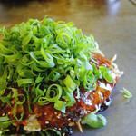 ポパイ - 料理写真:肉玉そば+イカ天+ネギ