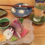旬菜 すがや - 料理写真:刺身盛り合わせはホタルイカの醤油漬、タコ、しめ鯖マグロなど
