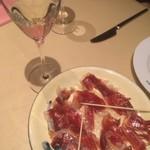 スペイン料理銀座エスペロ - いべりこ生ハムとカヴァ