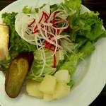 ESCRIBA - サラダとパン