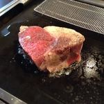 お好み焼本舗 - 四十日熟成リブロースステーキ塊(KAI) 400g(片面を焼いたところ) 2017/04/22