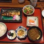 小魚阿も珍 - 神辺定食(税込1000円)本日はサバの塩焼き 今日も麦ご飯で。