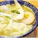 中華そば 虎桜 - 料理写真:ワンタン中華そば(白だし)+味玉 920+100円 柔らかな白だしスープにワンタンが映える♪