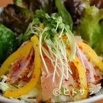 さぼてん - カルパッチョのような味が新鮮な『さぼてんのとりサラダ』