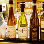 Santo Bevitore - ワインも豊富です。