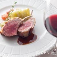 レストラン プランデルブ北鎌倉 - クラシカルな技法が光る『仔羊肉のロースト ジュダニョー』