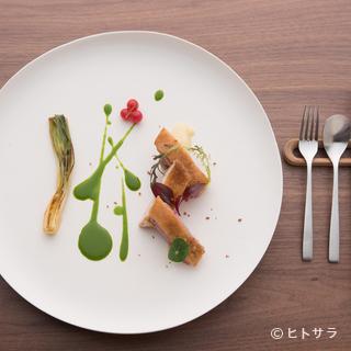 料理を引き立てるオリジナル食器