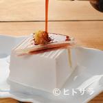 玉の助 - その時期の食材を使った日替りの一品料理にも注目