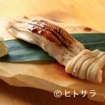 魚路 - お店の一番人気メニュー。丁寧に料理した穴子を贅沢に使い、うまさを存分に味わえる『穴子一本』