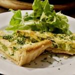 Wainya - ホタルイカと菜の花のキッシュ