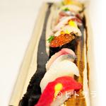 ちちり - 朝揚げの新鮮このうえない魚介で 『旬の極上にぎり寿司』