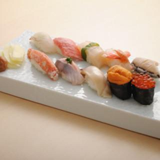 お昼から本格鮨をご堪能頂けます!