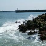 和風れすとらんにしき - 参考資料です!       すぐ近くの海ですがかなり波頭高い!