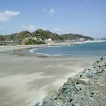 和風れすとらんにしき - かなり広い浜辺です!