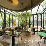 カフェ・ド・ラペ - 開放感たっぷり。光あふれるテラス席で元気をチャージ