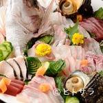 釣ヤ - 漁師直送の魚介に朝びき鶏、朝どれ野菜。鮮度抜群の素材に舌鼓