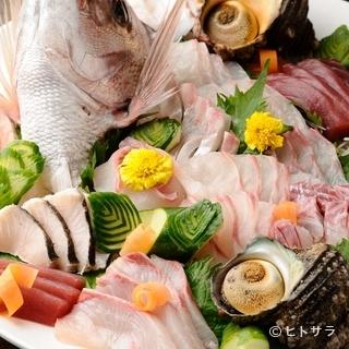 漁師直送の魚介に朝びき鶏、朝どれ野菜。鮮度抜群の素材に舌鼓