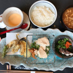 季節と料理 ツキノヒカリ -